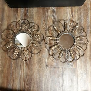2 Flower shaped mirrors